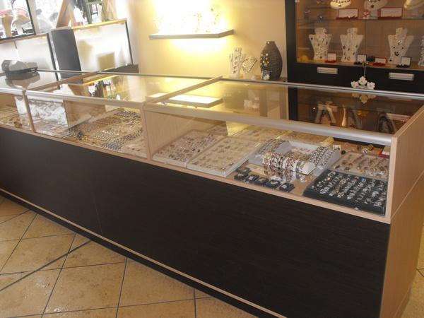 Meble wystawowe do sklepu na wymiar - Realizacje